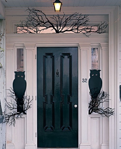 owl front door1 e1319830545852 vintage halloween decorations 1 - Front Door Halloween Decorations